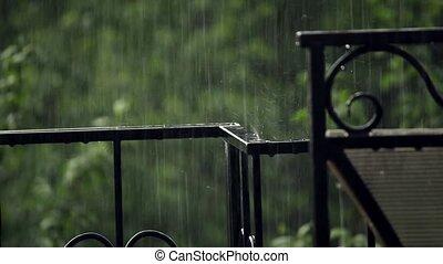 gehämmert, zaun, unter, der, regen