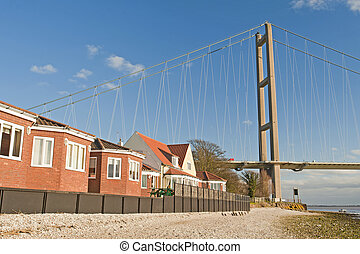 gehäuse, neben, a, groß, hängebrücke