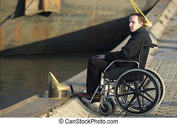 gehandicapte man, op, wheelchair, buitenshuis