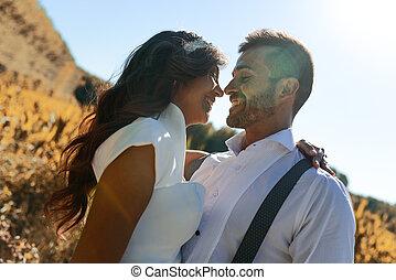 geheiratet, paar, in, natur, hintergrund