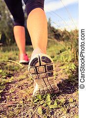 gehen, oder, laufschuhe, in, wald, abenteuer, und, trainieren