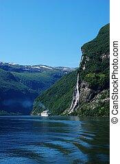 geiranger fjord, croisière bateau, norvège