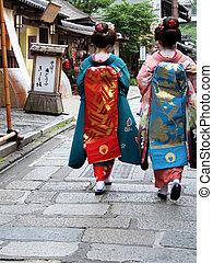 Geisha Girls - Geisha girls walking down the street