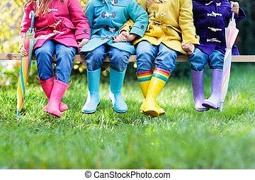geitjes, boots., regen, betaal dracht, children.