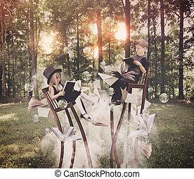 geitjes, het boek van de lezing, in, hout, op, lang, stoelen