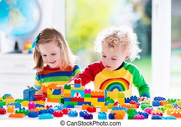 geitjes, spelend, met, kleurrijke, plastic belemmert