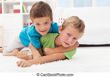 geitjes, vloer, worstelen, -, het spel van jongens