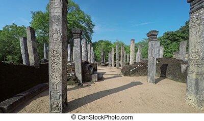 gekerfde, graniet, kolommen, van, oude ruïne, in, polonnaruwa, sri lanka