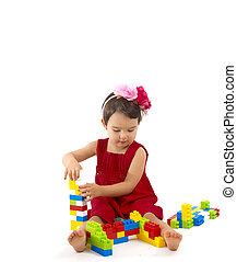 gekke , kind, meisje, spelend, met, gebouw stel, op, witte achtergrond