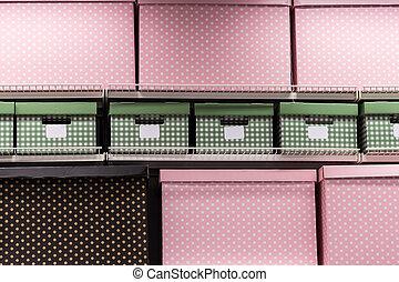 gekleurde, dozen, op, planken