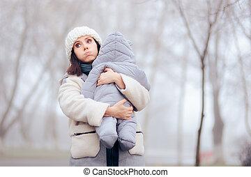 gelado, mãe, overprotective, preocupado, tempo, prendendo ...