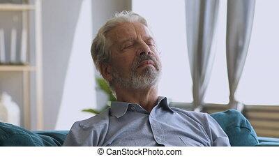 gelassen, älterer mann, nehmen, atem, gelassen, tief,...