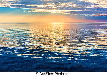 gelassen, wasserlandschaft, an, sunset., dramatischer himmel