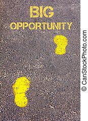 gelber , schritte, auf, bürgersteig, gegen, groß, gelegenheit, nachricht