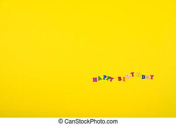 gele achtergrond, met, een, inscriptie, gelukkige verjaardag