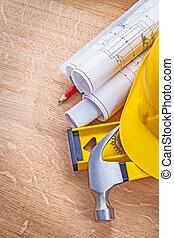gele, helm, klauwhamer, niveau, gerolde, blauwdruken, potlood, op, hout