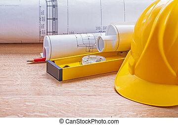 gele, helm, niveau, blauwdruken, potlood, op, wooden board, constructi