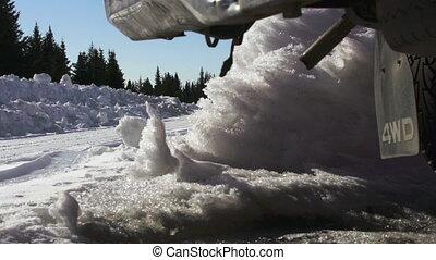 geleider, sneeuw, vrachtwagen, dolly, slomo, straat