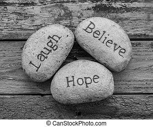 geloven, liefde, hoop, rotsen