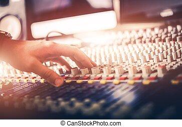 geluid, aanpassen, audiomixer