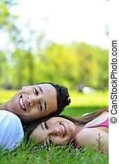 gelukkig paar, het genieten van, jonge, natuur