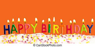 gelukkige verjaardag, lit kaarzen, op, oranje achtergrond