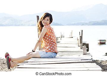 gelukkige vrouw, aziatisch gezicht