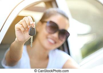 gelukkige vrouw, bestuurder, houden, auto toetst