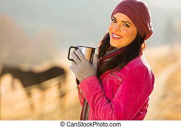 gelukkige vrouw, het hebben van koffie, in, de, morgen