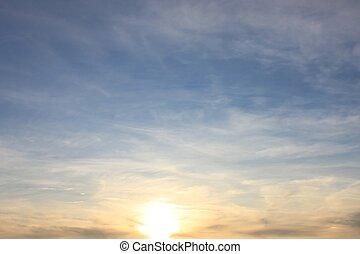 gematigd, zacht, ondergaande zon