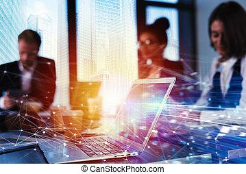 gemeinschaftsarbeit, arbeiten, mit, a, laptop., begriff, von, internet, teilen, und, interconnection., doppelte belichtung