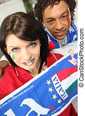 gemengde race, paar, van, italiaanse , voetbal, aanhang