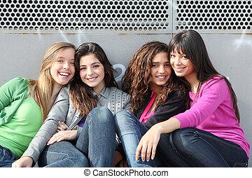 gemischter, mädels, lächeln, rennen, gruppe