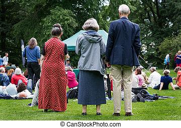 generatie, gebeurtenis, cultuur, festival., ouder, gemeenschap, ouwetjes, buitenshuis, muziek, het genieten van