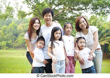 generazioni, tre, famiglia, asiatico