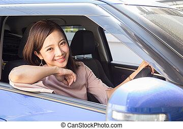 genießen, leute, asiatisch, reise, fahren, begriff, positiv, reise, urlaub, lächeln, glückliche frau, erfreulicherweise, entspanntes, reise, während, thailändisch, froh, frauen, auto, fahren, lachender, modell, ausdruck, straße