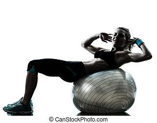 genomkörare, kvinna, exercerande, boll,  fitness