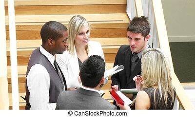 gens, définition, conversation, couloir, business, métrage, élevé, jeune