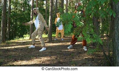 gens, jaguar, avoir, danses, zebra, girl, jeux, guitare, ...