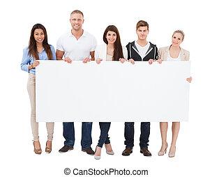 gens, tenue, panneau affichage, blanc, fond
