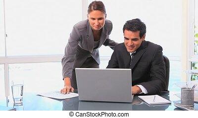 gens, vidéo, business, travailler ensemble