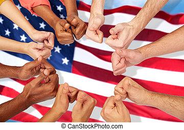 gente, actuación, arriba, pulgares, manos, internacional