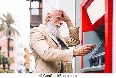 gente, banca, macho, feliz, concepto, efectivo, retirarse, hombre, empresa / negocio, estilo de vida, 3º edad, pago, tarjeta, maduro, máquina del banco, dinero, cuenta, credito, débito, -, atm