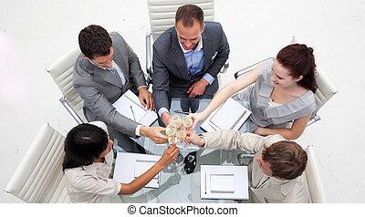 gente, brindar, empresa / negocio, champaña, oficina