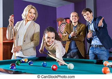 gente, juego, relajado, dardos, ahorcadura, billiard, afuera