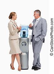 gente, luego, negocio parlante, dosificador de agua