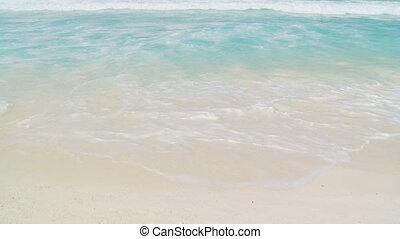 gentle waves close
