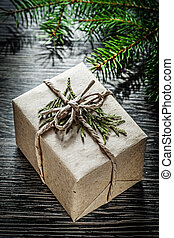 gepackt, weihnachtsgeschenk, kasten, tanne, zweig, feiern, begriff