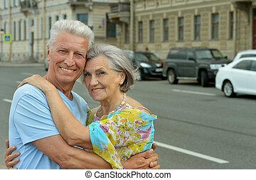 gepensioneerd, het glimlachen, paar