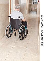 gepensioneerd, man, op, wheelchair